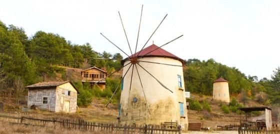 traditional-turkish-windmill-560x269.jpg